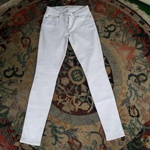 7 For All Mankind ~ SEXY WHITE SKINNY JEAN